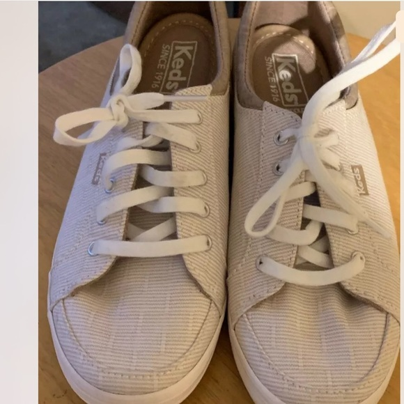 Keds Tan Preppy Lace Up sneakers Size 6